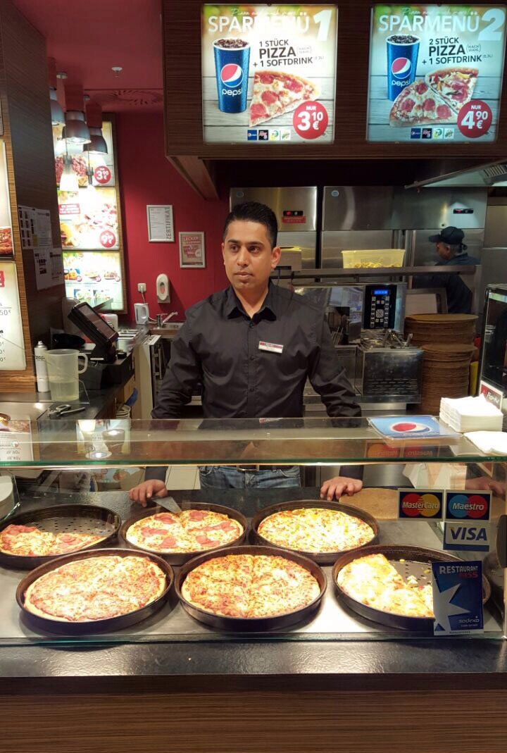 pizza-hut-hamburg-europapassage-theke